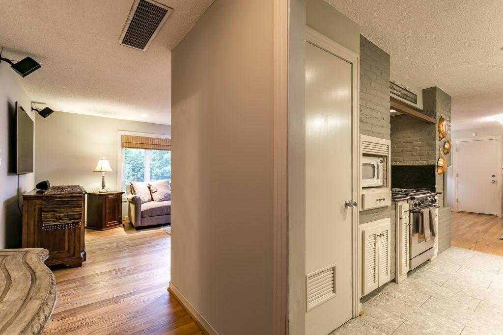Updated kitchen & hardwoods