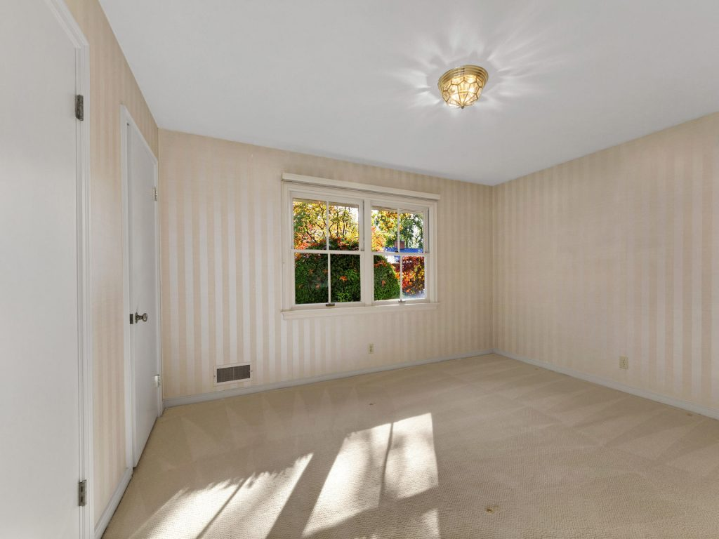 7695 SW Brentwood St Portland-MLS_Size-013-10-Bedroom 2-1920x1440-72dpi