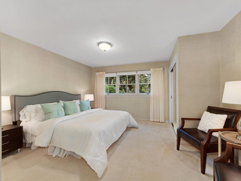 7695 SW Brentwood St Portland-MLS_Size-017-7-Master Suite-1920x1440-72dpi