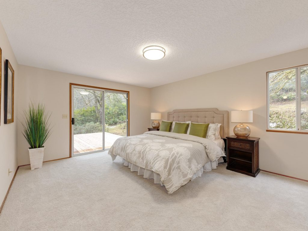 7425 SW Canyon Dr Portland OR-011-5-Master Bedroom-MLS_Size