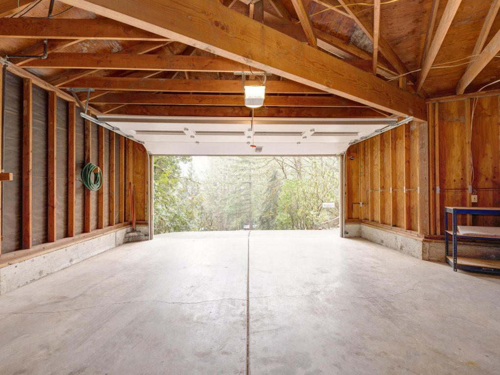 7425 SW Canyon Dr Portland OR-020-19-Garage-MLS_Size