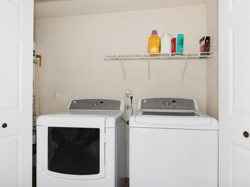 1672 NE 12th Ave Hillsboro OR-large-022-3-Laundry-1331x1000-72dpi