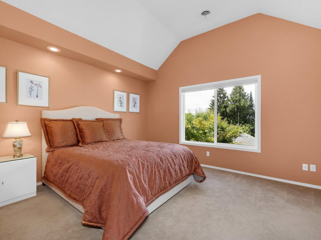 7437 SW 32nd Ave Portland OR-021-022-Master Suite-MLS_Size